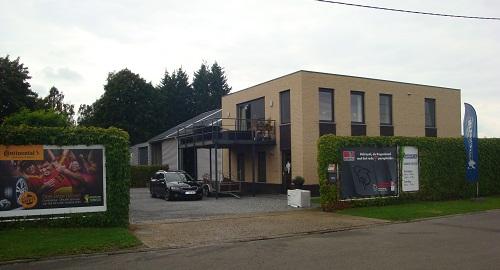 Banden Delveau , bandencentrale in Kuringen